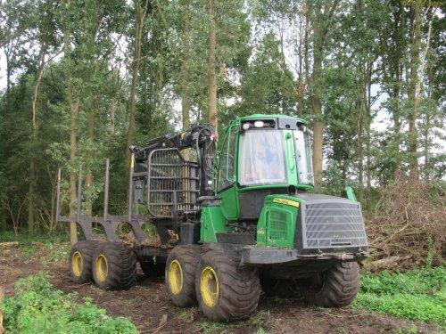 Foto van een John Deere 1010  . 01-09-2017. Geplaatst door oldtimergek op 01-09-2017 om 18:31:15, op TractorFan.nl - de nummer 1 tractor foto website.