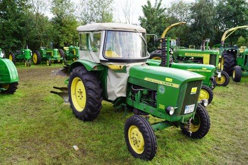 Foto van een John Deere Lanz 300. Geplaatst door jans-eising op 06-09-2017 om 18:29:13, op TractorFan.nl - de nummer 1 tractor foto website.