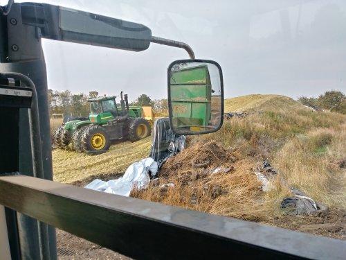 Foto van een John Deere 9430. Geplaatst door nhrijder op 19-09-2017 om 04:35:58, op TractorFan.nl - de nummer 1 tractor foto website.
