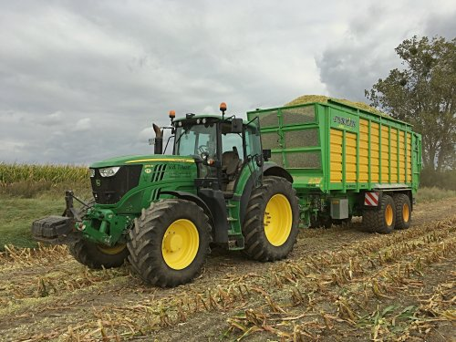 Foto van een John Deere 6170M. Geplaatst door deutz dx 470 op 22-09-2017 om 18:40:39, op TractorFan.nl - de nummer 1 tractor foto website.