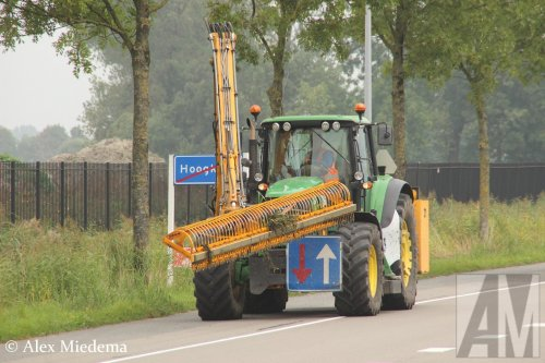 Foto van een John Deere 6930. Geplaatst door Alex Miedema op 27-09-2017 om 21:49:16, op TractorFan.nl - de nummer 1 tractor foto website.