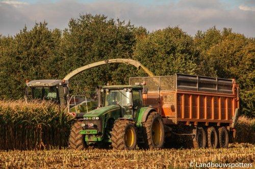 John Deere 8330 van tractorfreek