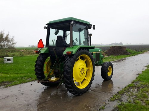 Foto van een John Deere 2040 S. Geplaatst door Johnie Beer op 29-10-2017 om 09:31:57, op TractorFan.nl - de nummer 1 tractor foto website.
