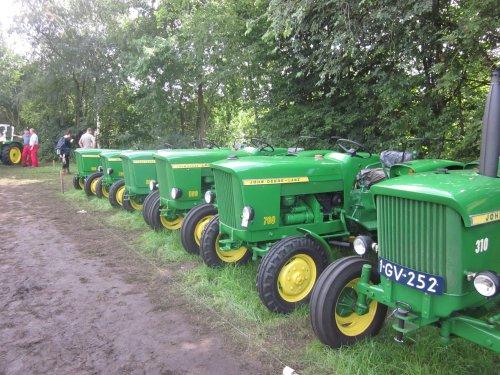 Foto van een John Deere Lanz. Geplaatst door jordi 1455 op 08-11-2017 om 20:50:48, op TractorFan.nl - de nummer 1 tractor foto website.