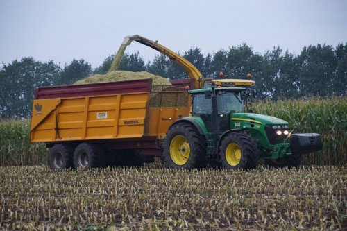 Foto van een John Deere 7930. Geplaatst door jans-eising op 14-11-2017 om 20:11:06, op TractorFan.nl - de nummer 1 tractor foto website.
