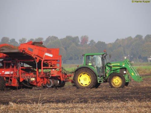 Foto van een John Deere 6930    , 13-10-2017. Geplaatst door oldtimergek op 21-11-2017 om 11:11:27, op TractorFan.nl - de nummer 1 tractor foto website.