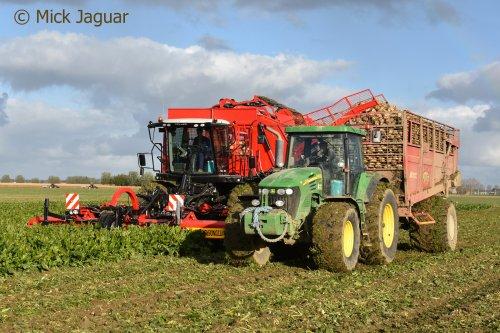 Agrifac Hexx Traxx bietenrooier en John Deere 7720 met Gilles B-200 afvoerwagen. Loonbedrijf Van Hal uit Eede (NL)  Filmpje? -> https://www.tractorfan.nl/movie/49192/