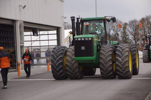 Foto van een John Deere 9520. Geplaatst door jans-eising op 23-12-2017 om 19:18:22, op TractorFan.nl - de nummer 1 tractor foto website.