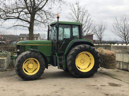 Foto van een John Deere 6800. Ging net 😅. Geplaatst door 645tt op 15-01-2018 om 21:29:11, op TractorFan.nl - de nummer 1 tractor foto website.