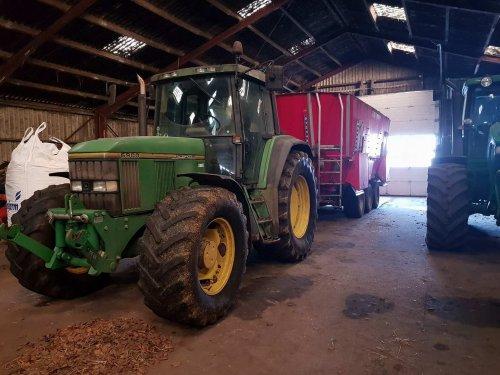 Foto van een John Deere 6900. Geplaatst door soren-christensen op 24-01-2018 om 08:57:39, op TractorFan.nl - de nummer 1 tractor foto website.