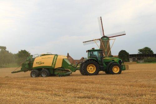 Foto van een John Deere 7830. Geplaatst door alfredo op 01-02-2018 om 14:53:09, op TractorFan.nl - de nummer 1 tractor foto website.