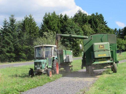Foto van een John Deere 1030. Geplaatst door jans-eising op 07-02-2018 om 18:39:14, op TractorFan.nl - de nummer 1 tractor foto website.