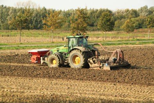 Foto van een John Deere 7830. Geplaatst door alfredo op 15-02-2018 om 11:34:46, op TractorFan.nl - de nummer 1 tractor foto website.