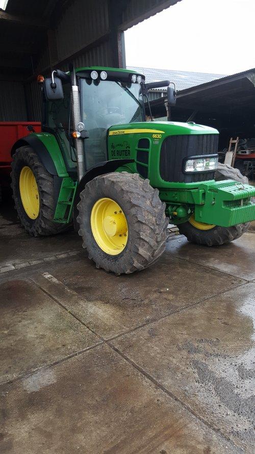 Foto van een John Deere 6630 van Loonbedrijf De Ruiter (Brandwijk) ×.. Geplaatst door a3vandiejen op 11-03-2018 om 15:17:34, op TractorFan.nl - de nummer 1 tractor foto website.