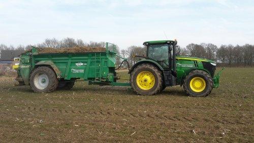 Foto van een John Deere 7250R van Mulder - Eykelkamp (Zwolle) ×.. Geplaatst door gerben op 11-03-2018 om 15:30:46, op TractorFan.nl - de nummer 1 tractor foto website.