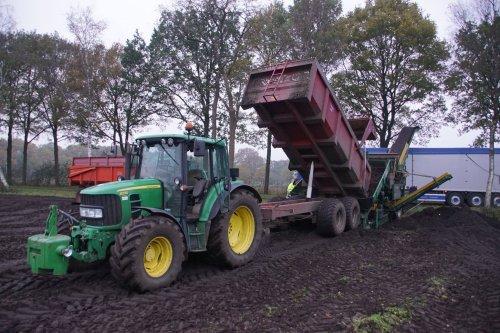 Foto van een John Deere 6230 Premium. Geplaatst door jans-eising op 13-03-2018 om 19:37:20, op TractorFan.nl - de nummer 1 tractor foto website.