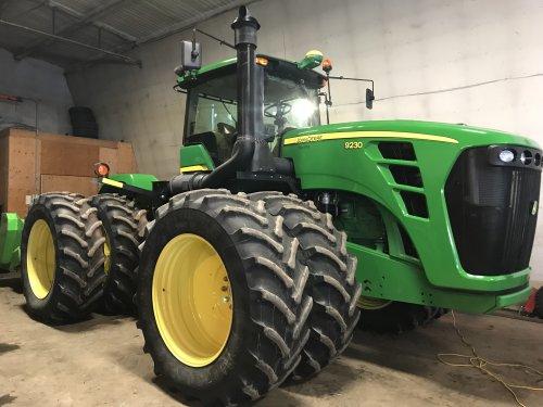 Foto van een John Deere 9230 nieuwe aanwinst op de farm in Canada.. Geplaatst door dave 7810 op 09-04-2018 om 05:29:26, op TractorFan.nl - de nummer 1 tractor foto website.