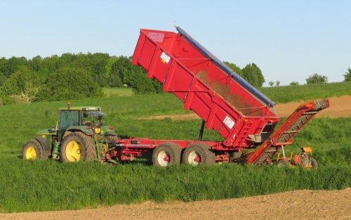 Foto van een John Deere 6800. Geplaatst door Oldtimer-fan op 08-05-2018 om 19:55:08, op TractorFan.nl - de nummer 1 tractor foto website.