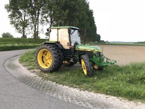 Foto van een John Deere 1950. Geplaatst door martijnbuijsse op 16-05-2018 om 11:15:58, op TractorFan.nl - de nummer 1 tractor foto website.