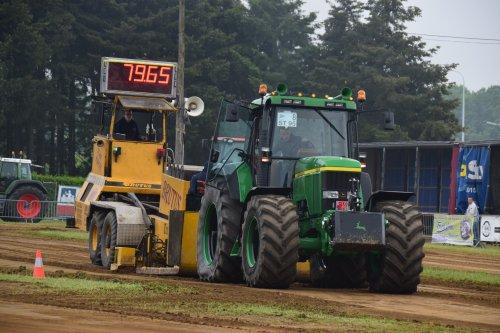 Foto van een John Deere 7810. Geplaatst door jd7920 op 17-05-2018 om 20:08:40, op TractorFan.nl - de nummer 1 tractor foto website.