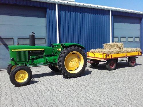 Foto van een John Deere 2020. Geplaatst door jd2120 op 21-05-2018 om 16:46:19, op TractorFan.nl - de nummer 1 tractor foto website.