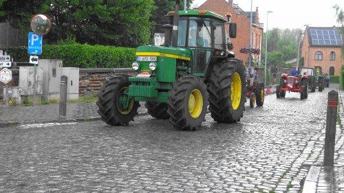 Foto van een John Deere 4430 tijdens de oldtimershow van de hagelandse tractor vrienden te Rotselaar.   Filmpje van het evenement:  https://youtu.be/7cSuUWsmrlY