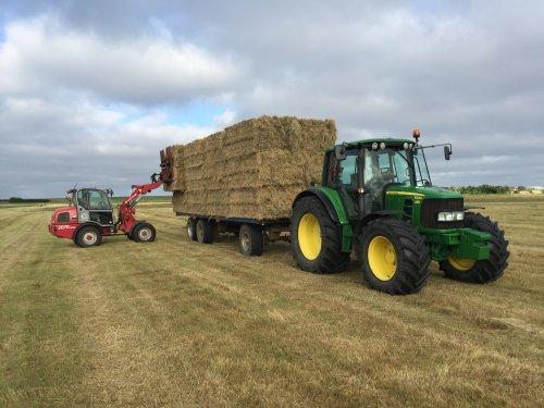 John Deere 6330 Premium van LandbouwLeistra