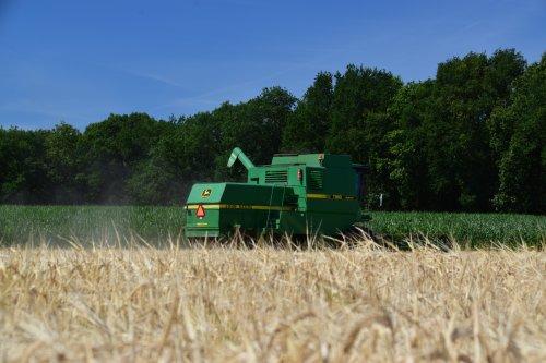 Foto van een John Deere 1188. Geplaatst door jd7920 op 11-07-2018 om 00:37:57, op TractorFan.nl - de nummer 1 tractor foto website.