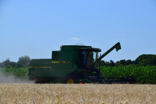 Foto van een John Deere 1188. Geplaatst door jd7920 op 11-07-2018 om 00:38:03, op TractorFan.nl - de nummer 1 tractor foto website.