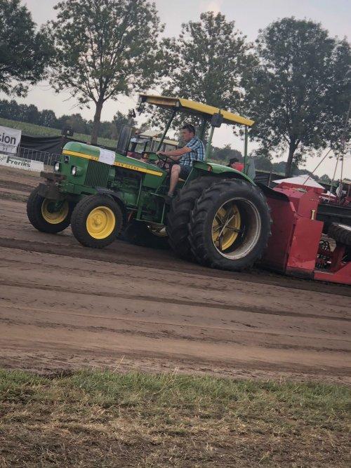 in beltrum de andere dubbellucht voor het eerst er aan wat een bak met grip !. Geplaatst door mp-jd6620 op 31-07-2018 om 17:48:47, op TractorFan.nl - de nummer 1 tractor foto website.