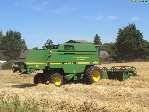 Foto van een John Deere 2056. Geplaatst door oldtimergek op 15-08-2018 om 11:41:20, op TractorFan.nl - de nummer 1 tractor foto website.