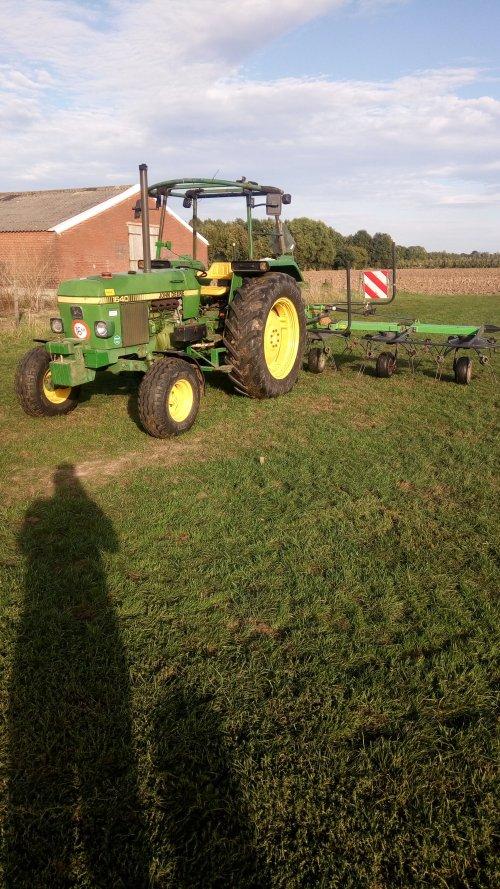 Foto van een John Deere 1640. Geplaatst door marco2250 op 09-09-2018 om 19:16:39, op TractorFan.nl - de nummer 1 tractor foto website.
