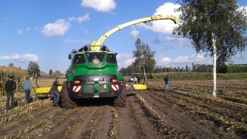 Een John Deere 9800 op demo bij van Eijck Alphen.  Vrijdag 21/09/2018.. Geplaatst door Jotke op 22-09-2018 om 14:46:10, op TractorFan.nl - de nummer 1 tractor foto website.