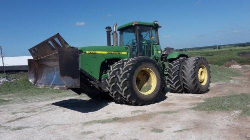 Foto van een John Deere 9300. Geplaatst door cb6520 op 07-10-2018 om 16:41:02, op TractorFan.nl - de nummer 1 tractor foto website.