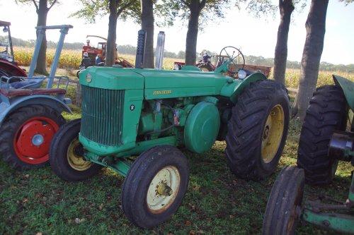 Foto van een John Deere R. Geplaatst door jans-eising op 30-10-2018 om 19:11:34, op TractorFan.nl - de nummer 1 tractor foto website.
