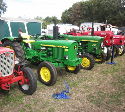 Foto van een John Deere 920. Geplaatst door jordi 1455 op 30-10-2018 om 23:07:32, op TractorFan.nl - de nummer 1 tractor foto website.