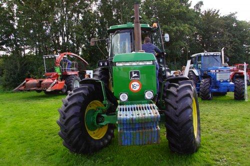 Foto van een John Deere 4650. Geplaatst door jans-eising op 01-12-2018 om 19:32:52, op TractorFan.nl - de nummer 1 tractor foto website.