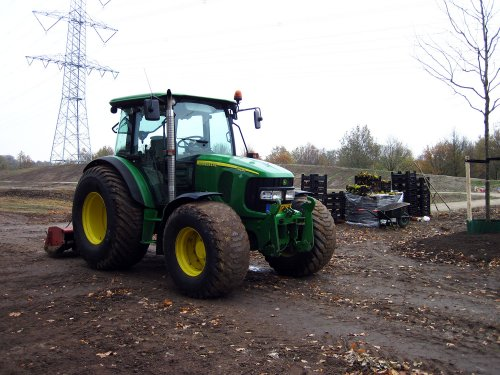 John Deere 5820 Tractor van A.H.S.
