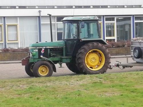 Foto van een John Deere 2040 S. Geplaatst door Renaultgek op 30-12-2018 om 11:20:27, op TractorFan.nl - de nummer 1 tractor foto website.