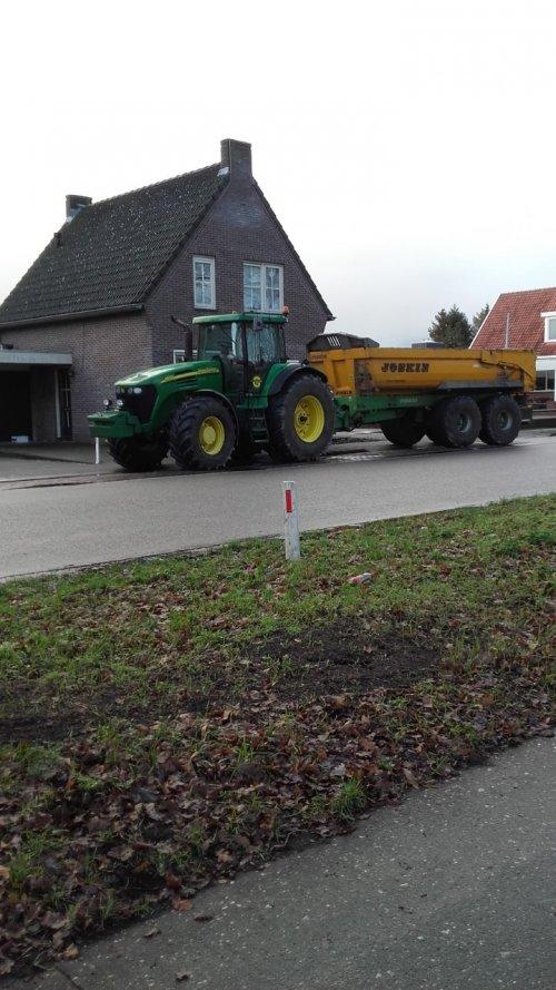 Foto van een John Deere 7920. Geplaatst door oldtimergek op 18-01-2019 om 11:17:28, op TractorFan.nl - de nummer 1 tractor foto website.