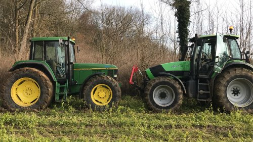 Foto van een John Deere 6800. Geplaatst door 645tt op 20-01-2019 om 20:52:52, op TractorFan.nl - de nummer 1 tractor foto website.