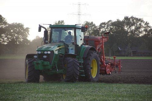 Foto van een John Deere 7720. Geplaatst door jans-eising op 25-01-2019 om 19:36:37, op TractorFan.nl - de nummer 1 tractor foto website.