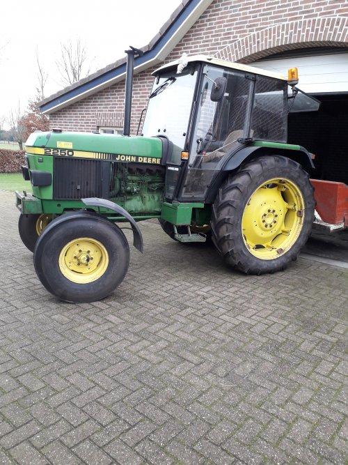Foto van een John Deere 2250. Geplaatst door Johndeere 2250 op 07-02-2019 om 13:15:39, op TractorFan.nl - de nummer 1 tractor foto website.