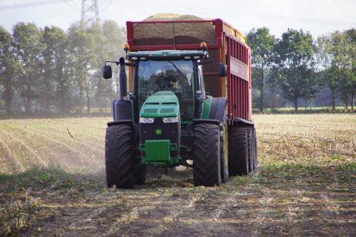 Foto van een John Deere 8335R. Geplaatst door jans-eising op 07-02-2019 om 19:54:09, op TractorFan.nl - de nummer 1 tractor foto website.