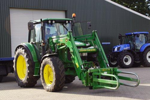 Foto van een John Deere 6630. Geplaatst door jans-eising op 11-02-2019 om 19:52:55, op TractorFan.nl - de nummer 1 tractor foto website.