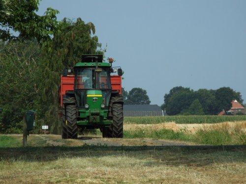 Foto van een John Deere 3140. Geplaatst door zwiepi op 05-03-2019 om 22:13:47, op TractorFan.nl - de nummer 1 tractor foto website.