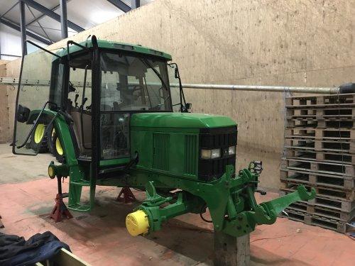 Foto van een John Deere 6410. Geplaatst door Rick deerefan op 11-03-2019 om 19:19:27, op TractorFan.nl - de nummer 1 tractor foto website.