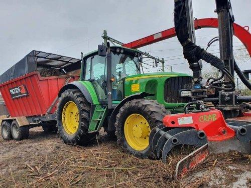 Op deze foto is Altena nijeveen (Nijeveen) × actief met een John Deere 6920.. Geplaatst door jans op 15-03-2019 om 23:46:08, op TractorFan.nl - de nummer 1 tractor foto website.