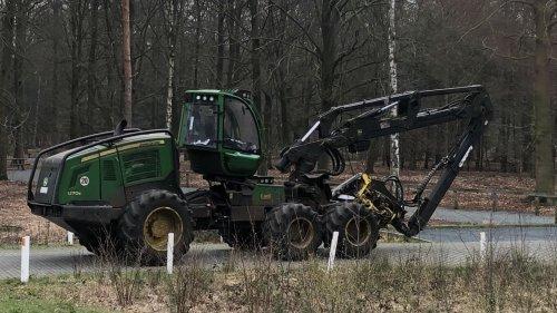 Foto van een John Deere 1270E. Geplaatst door New Kobelco op 20-03-2019 om 10:18:29, op TractorFan.nl - de nummer 1 tractor foto website.