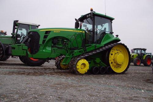 Foto van een John Deere 8430 T. Geplaatst door jans-eising op 26-03-2019 om 20:06:30, op TractorFan.nl - de nummer 1 tractor foto website.